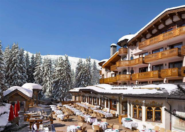 Hotel de charme les airelles courchevel compare deals for Comparer les hotels