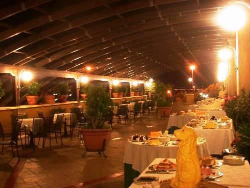 Hotel de la ville villa san giovanni compare deals for Amaretti arredamenti villa san giovanni