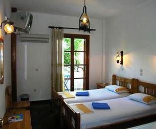 Chaniotis Room & Villas