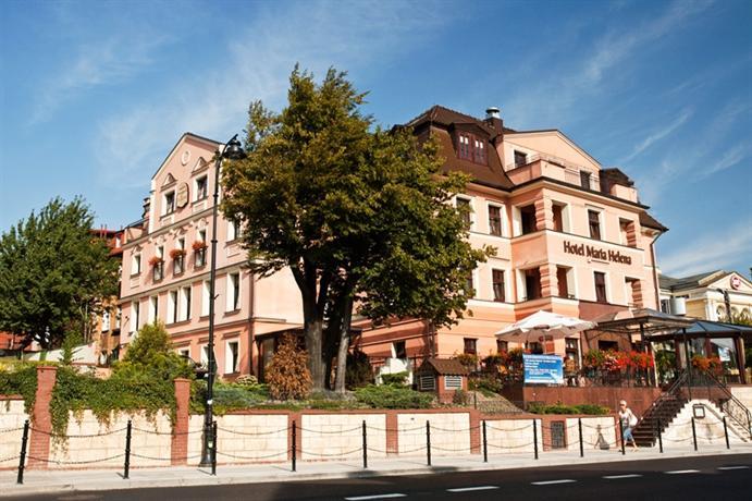 Hotel maria helena szczawno zdr j comparer les offres for Comparer les hotels