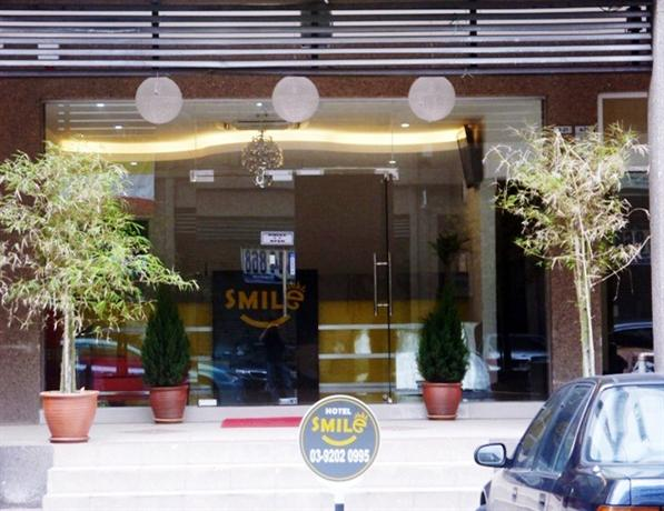 About Smile Hotel USJ