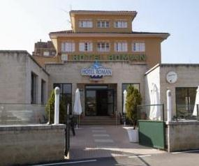 Casa Roman Castrillon