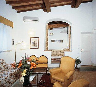 Apartment prato firenze florence compare deals for Appart hotel florence