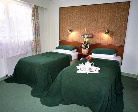 Mornington Hotel