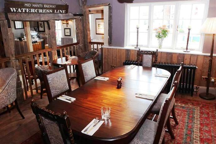 Tea Rooms Bishops Waltham