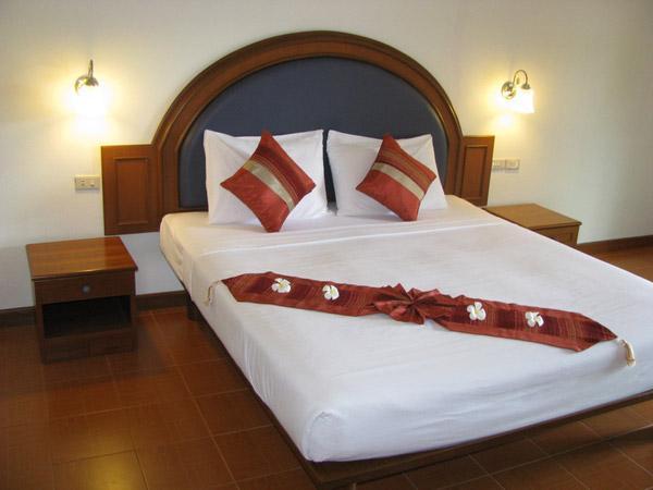 Phuket Guest Friendly Hotels - PS Hill Resort