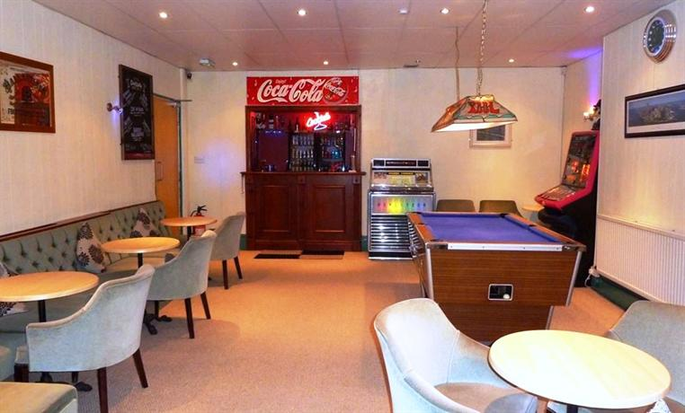 Funky towers hotel blackpool compare deals for Funky hotels uk