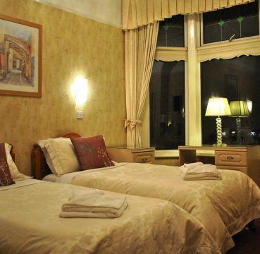 Clifton Villa Hotel