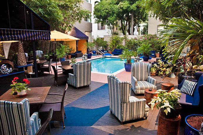 About Riviera Suites South Beach