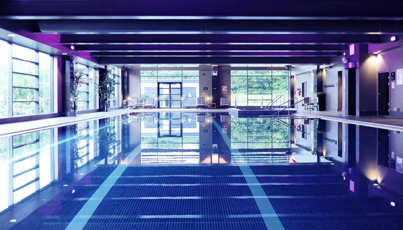 Village hotel wirral bromborough compare deals for Wirral hotels with swimming pools
