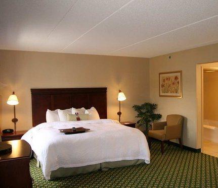 Hampton Inn & Suites Berkshires