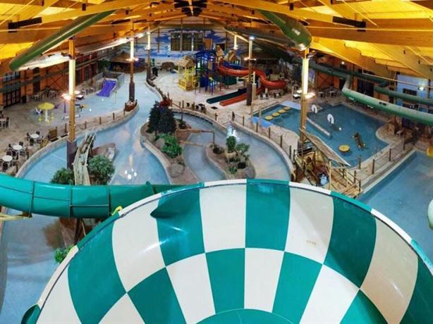 grand lodge waterpark resort rothschild compare deals rh hotelscombined com grand lodge waterpark resort halloween 2018 grand lodge waterpark resort kansas city
