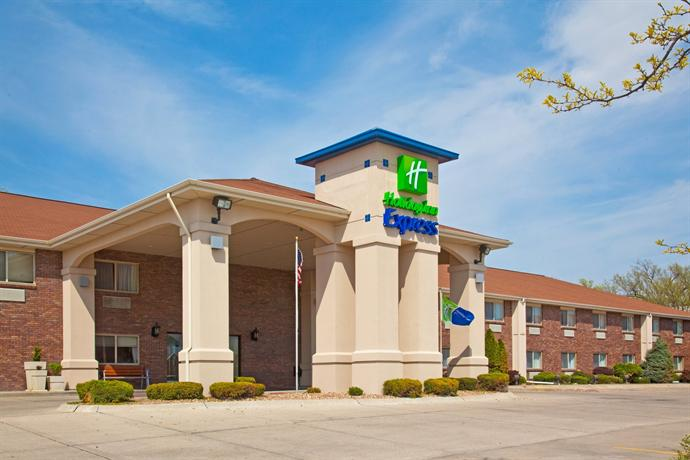 Baymont Inn & Suites - Lincoln