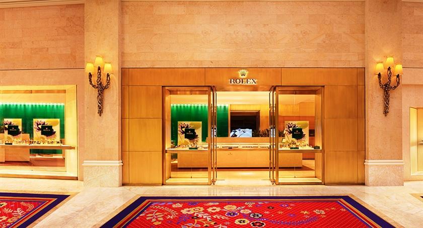 Wynn las vegas compare deals for Wynn hotel decor