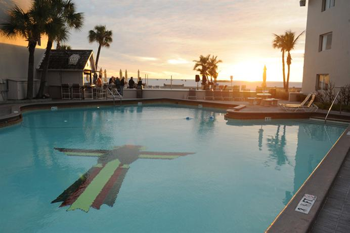 thunderbird beach resort treasure island compare deals. Black Bedroom Furniture Sets. Home Design Ideas
