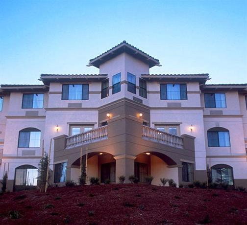 Holiday Inn Express Hotel & Suites Marina