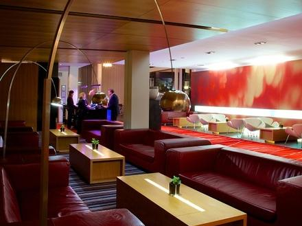 מלון רדיסון בלו בלפסט צילום של הוטלס קומביינד - למטייל (2)