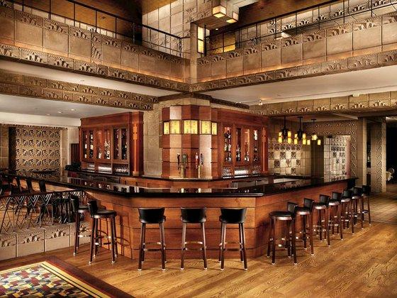 Arizona biltmore phoenix compare deals for Hotels 85016