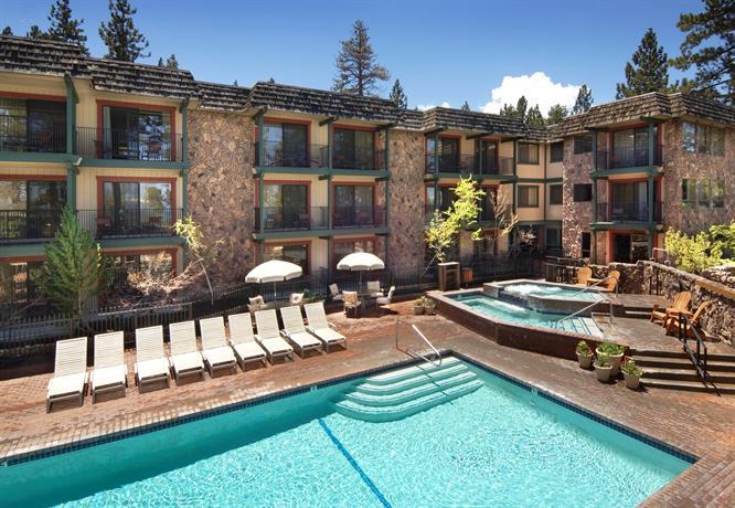 Hotel azure south lake tahoe offerte in corso for Noleggio di cabine lake tahoe per coppie