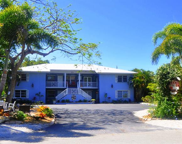 Lido Islander Inn and Suites