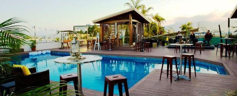 rydges plaza cairns compare deals. Black Bedroom Furniture Sets. Home Design Ideas