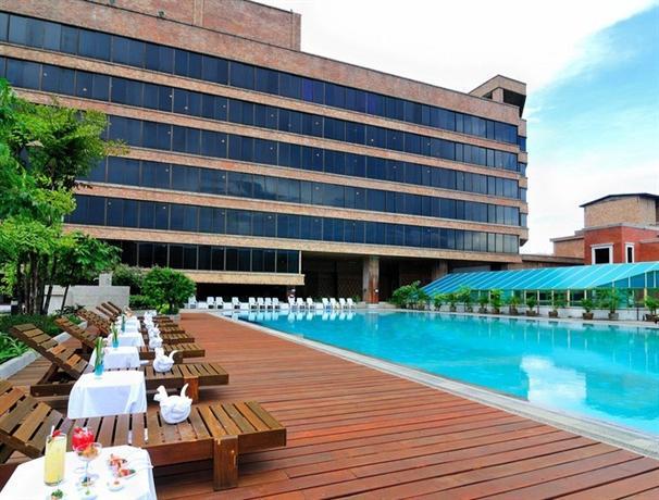 מלון לוטוס פאנג סואן קאו צילום של הוטלס קומביינד - למטייל (1)