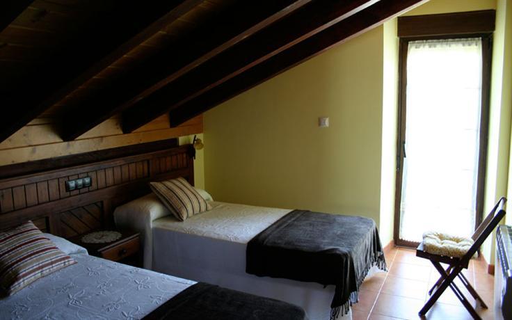 Apartamentos toraya ribamontan al monte compare deals for Apartamentos toraya cantabria