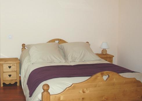 auberge de connangles la chaise dieu compare deals. Black Bedroom Furniture Sets. Home Design Ideas