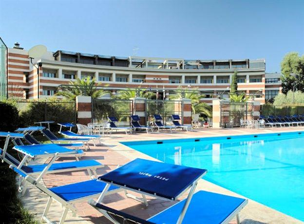 Petra Hotel & Residence