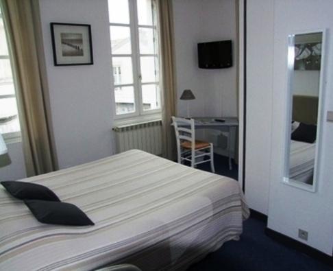 H tel le galet bleu fouras comparez les offres for Fouras hotel