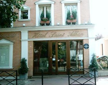 saint alban hotel saint maur des fosses compare deals. Black Bedroom Furniture Sets. Home Design Ideas