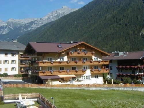 Hotel Garni Sonne Neustift
