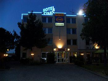 hotel stars montpellier sud lattes compare deals. Black Bedroom Furniture Sets. Home Design Ideas