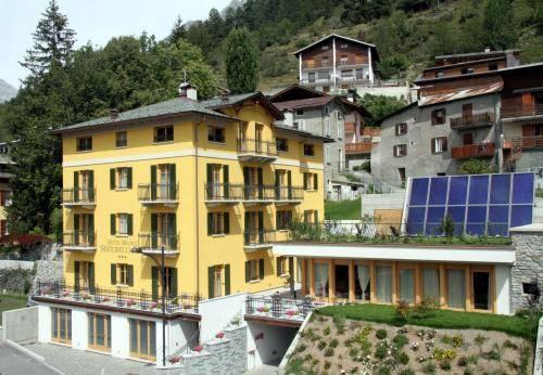 Hotel meuble sertorelli reit bormio compare deals for Hotel meuble della contea bormio
