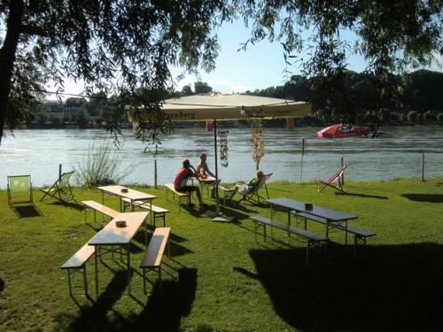 Faustschlossl Hotel Restaurant Oberlandshaag Feldkirchen An Der Donau