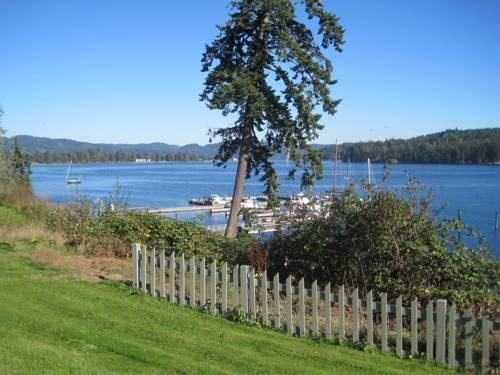 Ty collwyn waterfront retreat sooke compare deals for Waterfront retreat