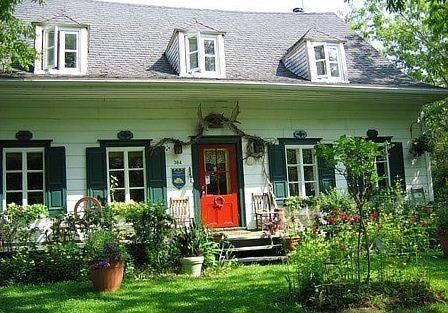 Maison Et Jardin Monarde, Saint-Augustin-de-Desmaures - Compare Deals
