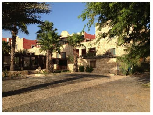Hotel Estoril And Residence Cardeal Sal Rei Compare Deals