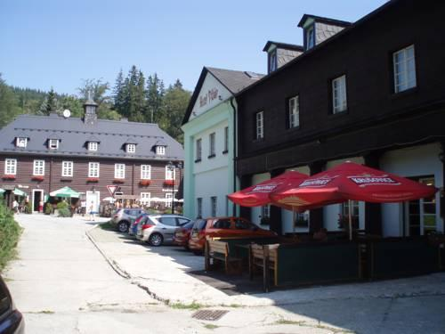 Hotel Dzban