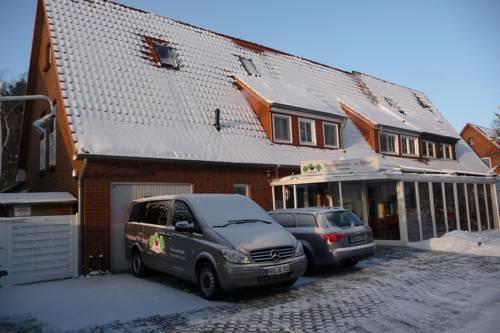 Grunblau vitalpension warnemunde compare deals for Warnemunde hotel pension