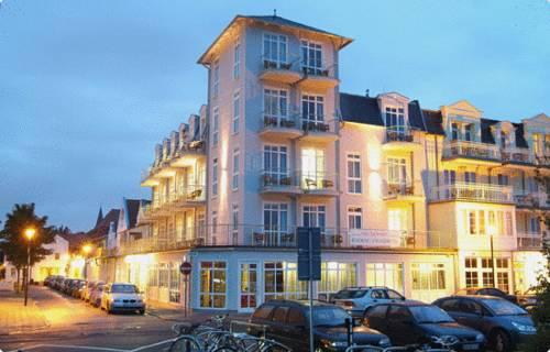 Residenz strandhotel rostock warnemunde compare deals for Warnemunde hotel gunstig