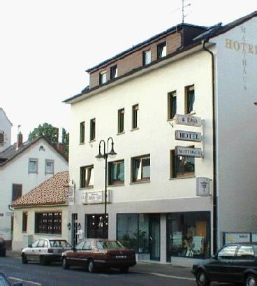 Hotel matthaus offenbach am main compare deals for Hotel offenbach