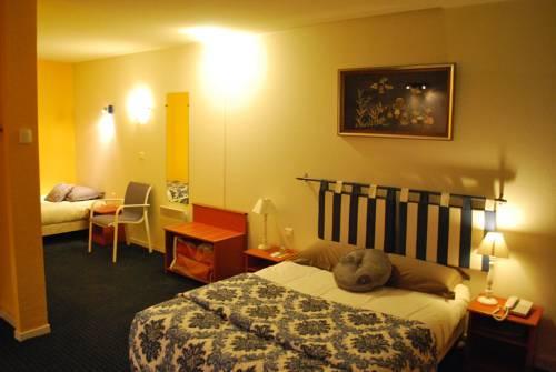 hotel tambourin vitry le francois compare deals. Black Bedroom Furniture Sets. Home Design Ideas