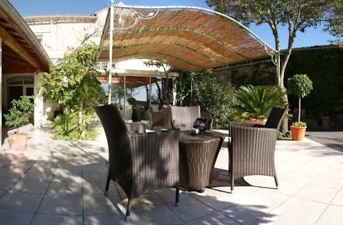 Auberge cote jardin hotel conilhac corbieres compare deals for Auberge cote jardin conilhac corbieres