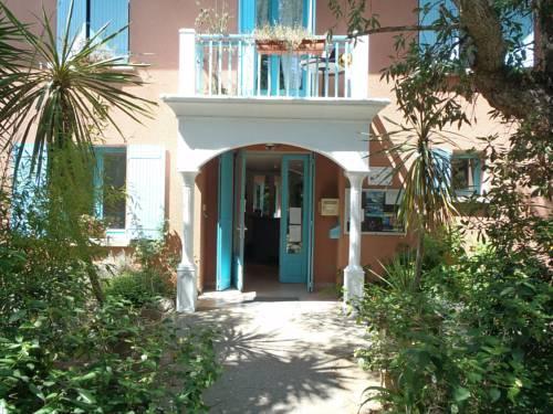 Lou riou maison familiale de vacances saint tropez for Maison familiale