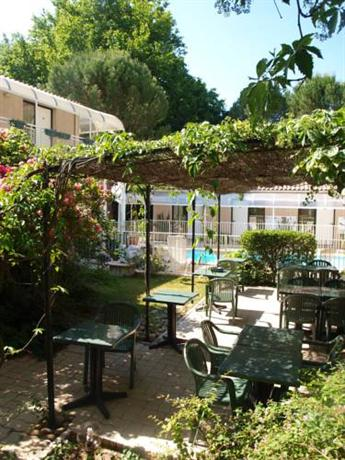 Hotel cantosorgue l 39 isle sur la sorgue compare deals for Hotels isle sur la sorgue