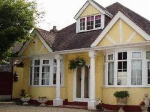 Clovelly Guesthouse Birmingham