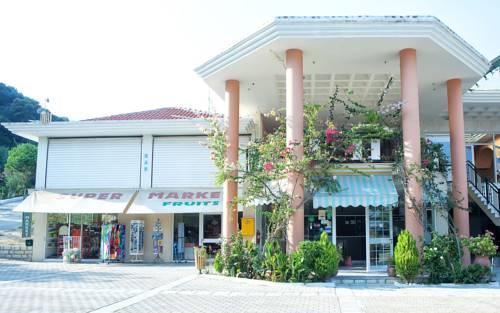 Enjoy Lichnos Bay Village Camping Hotel and Apartments