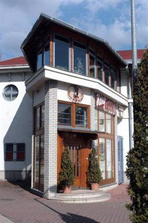 Hary Hotel Restaurant