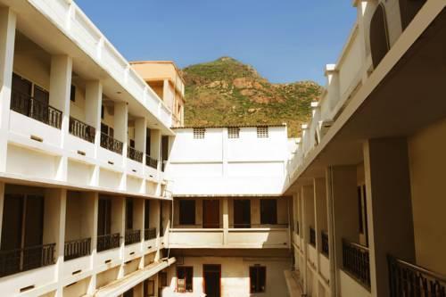 Aakaash Hotel